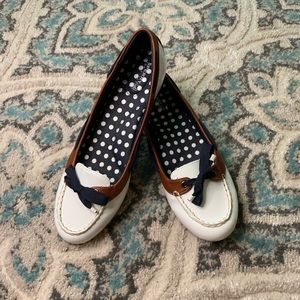 SPERRY White Patent Navy Accent Shoes